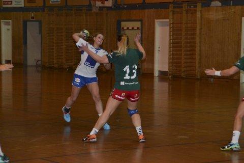 SJU: Josefine Jensen noterte seg for sju scoringer mot Harstad.Alle foto:Eirik Eidissen
