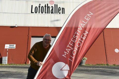 I RUTE: – Vi er i skarp rute og gleder oss til Matfestivalen i Lofoten, sier Roger Larsen i Lofothallen AS som kan friste med over 50 utstillere.  Foto: Kai Nikolaisen