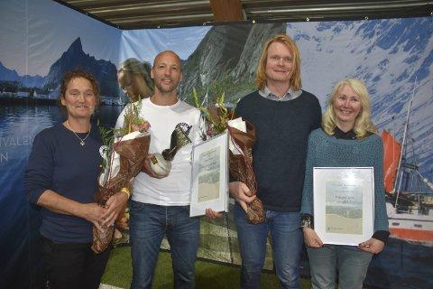PRISVINNERE: Marielle De Roos og Hugo Vink fikk næringsprien,mens Espen og Tove Sejerstad fikk miljøprisen. Foto: Kai Nikolaisen