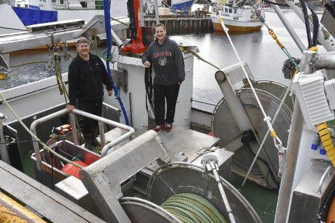 Gleder seg: Geir og Øyvind Vestby gleder seg til å komme i gang med snurrevadfisket. – Selv om båten er bare 11 meter så er det bra med plass om bord, slår de to fast. Alle foto: Kai Nikolaisen