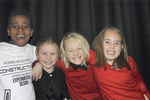 Fornøyd: Ebenezer, Lilja, Torje og Milla var superfornøyd med forestillingen i kulturhuset tirsdag.