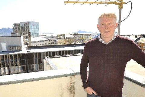 Klare: Daglig leder Arild Fredriksen i Trollfjord Bredbånd AS kan nå levere høyhastighets bredbånd til nesten hele Vågan. Foto: Knut Johansen