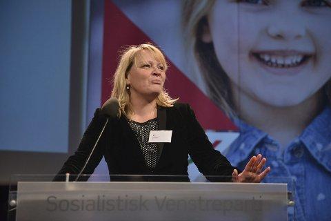 Ultimatum: SV og førstekandidat i Nordland, Mona Fagerås, krever kraftig økning i barnetrygden for å støtte en Ap-regjering. Partiet vil ikke akseptere at barnetrygden behovsprøves, og at de fattigste får mest. – Vi tror vi kan få gjennomslag, sier Fagerås.
