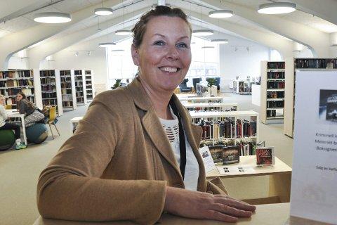 Turisme: Meieriet bibliotek inviterer til en samtale om turisme i Lofoten. Arrangementansvarlig ved biblioteket, Kristin Beyer Granhus, forteller at det blir satt fram bord, salg i bar, mørkt i lokalet og god stemning.