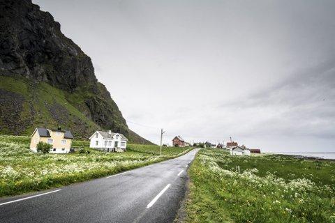 BREDBÅND: Eggum er en av seks Vestvågøy-bygder som får bredband i 2020.