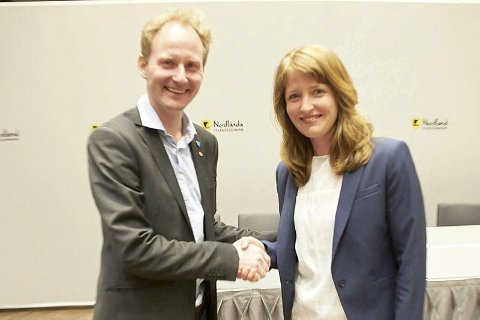 Spleiselag: Ordfører Remi Solberg og fylkesråd Ingelin Noresjø. Solberg mener Vestvågøy må være med og sikre framtiden for teateret.