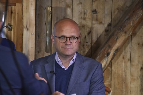 Møte: Vidar Helgesen besøkte Lofoten onsdag.Foto: Øystein Ingebrigtsen