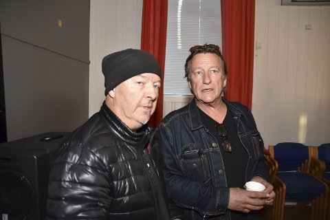 Skrova fyr: Frank Marstokk og Rediar Sørensen driver Skrova fyr og var to av mange oppmøtte på folkemøtet onsdag kveld.