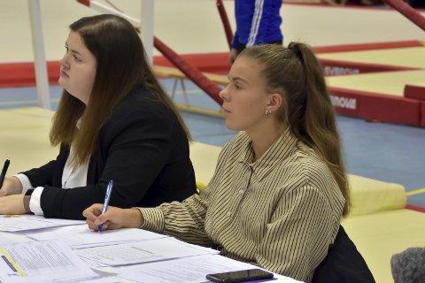 Dommer: Andrine Hegdahl (til høyre) var dommer under Lofoten Open.