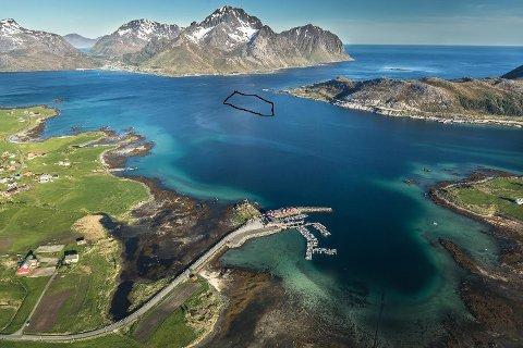 OPPDRETT: Det er i det området som er innringet Lofoten Sjøprodukter vil at kommunen skal tillate oppdrettsanlegg.