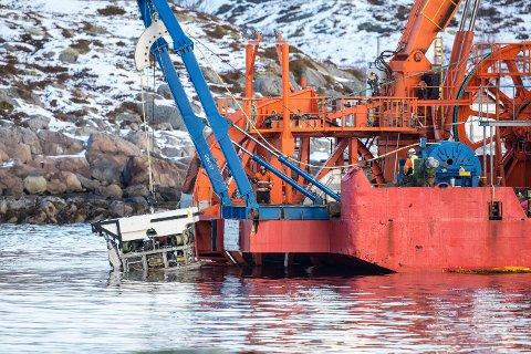 Her senkes ROV-en i havet