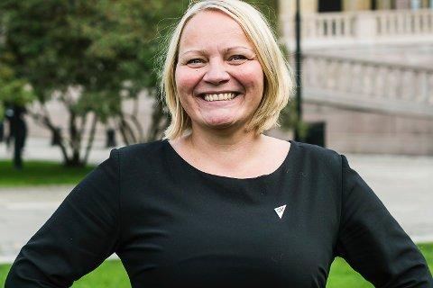 PLASTPROBLEM: Mona Fagerås sitter på Stortinget for Nordland SV. SV leverer 7 krav til regjeringen, for bekjempelse av marint avfall.
