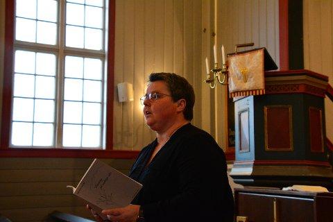 Kristine Sandmæl leser dikt av Ingrid Arctander.