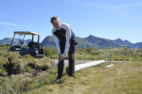 Vanskelig: Lars Magnussen fikk det tøft under helgens norgesmesterskap. Her fra ei tidligere turnering på Gimsøy. Arkivfoto.
