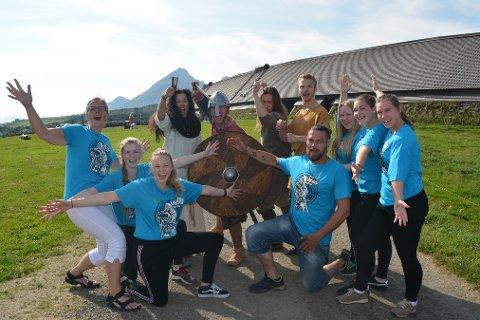 Gleder seg: - Vi er klare, kommer dere? Arrangørkorpset og 150 vikinger fra 10 nasjoner gleder seg til fem fartsfylte dager på Borg under den 14. utgaven av Lofotr Vikingfestival.