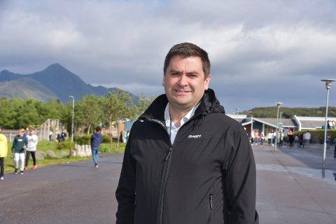 AVKLARING: Kommunalsjef utdanning i Vestvågøy, Pål Einar Røch Johansen, er fornøyd med avklaringen fra Fylkesmannen om tilskudd til private barnehager.