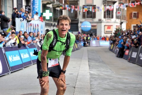 I mål: Hallvard Schjølberg kunne smile etter å ha kommet i mål, og tatt en fjerdeplass i det knallharde eliteløpet.