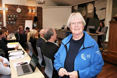 May Jakobsen i Hørselhemmedes landsforening er fornøyd med at hun fikk komme i kommunestyret og stille spørsmål til ordføreren. Hun mener det er for liten kapasitet i kommunen for å hjelpe dem som trenger høreapparat og tilleggsutstyr.