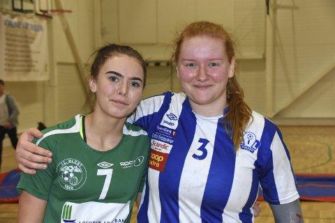 PRAT: Victoria Sandnes (til venstre) og Idun Benjaminsen slo av en prat med Lofotposten etter kampen.