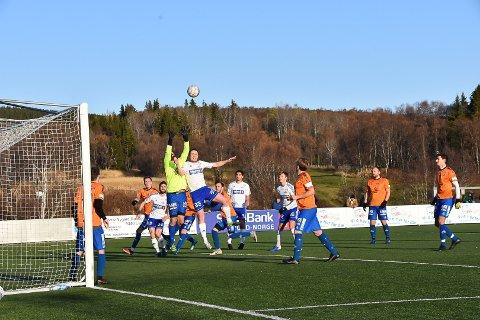 BANKET: FK Lofoten banket Grovfjord 5-2 i bortekampen lørdag middag.