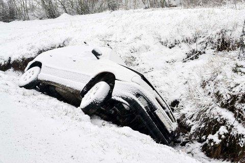PÅBUD: Tryg forsikring mener det bør bli påbud om bruk av vinterdekk på vintersti