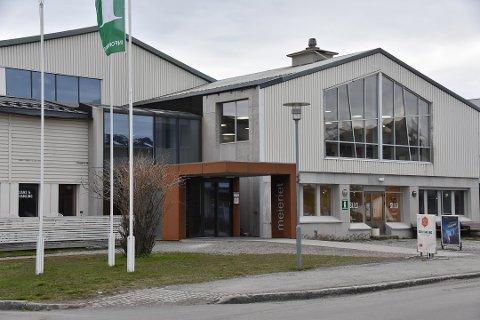 Formannskapet i Vestvågøy vil ikke bruke et stort beløp på utsmykning av Meieriet kultursenter. Arkivfoto