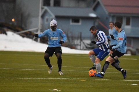 Seriestart: Lørdag debuterer LFK i 3. divisjon og møter Lillestrøm 2 i første seriekamp. Kampen sendes direkte på lofotposten.no. Bildet er fra treningskamp mot Svolvær IL tidligere i vår.