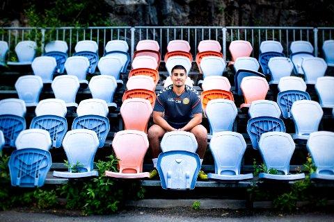 ØNSKER SELSKAP: Arman Bashiri håper at flere homofile fotballspillere våger å stå fram. Selv har han bare positive erfaringer med mottakelsen han har fått etter å ha fortalt om sin legning i norske og amerikanske fotballgarderober.