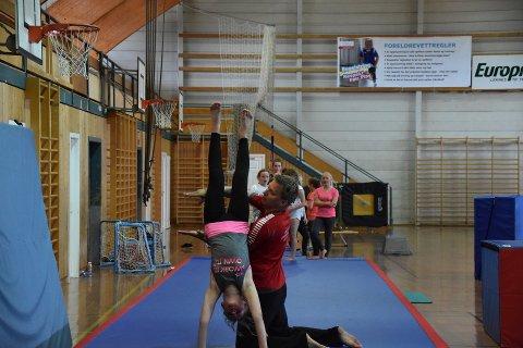 Turncamp: Fra fjorårets turncamp med Ballstad gym og turn i Lekneshallen.