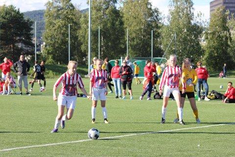Norway Cup: Lofotposten viser hundrevis av kamper direkte. Bildet er fra 2016 da Henningsvær/Kabelvåg J16 tok seg til 8-delsfinalen i cupen.