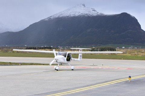 Elflyet besøkte Leknes i slutten av mai og tok med både ordfører Remi Solberg og Lofotposten ut på prøvetur.