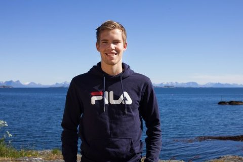 Sebastian Kjønsø støtter de klimastreikende ungdommene.