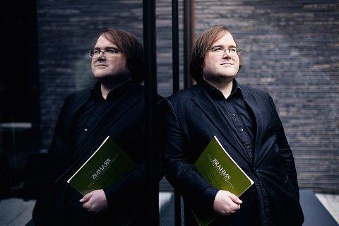 Christian Ihle Hadland har nå tatt fatt på arbeidet som kunstnerisk leder for Lofoten Pianofestival 2020.