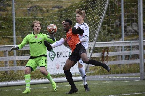 UTLIGNING: Alieu Danjo utlignet til 2–2 54 minutter ut i kampen. Foto: Eirik Eidissen
