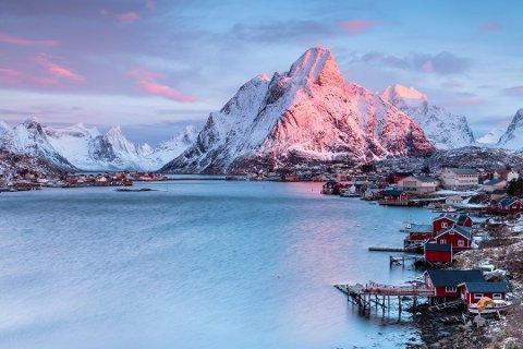 Vil sende turistene hjem: Lofotrådet jobber fortsatt med å sende turister hjem fra Lofoten, men får ikke stenge av regionen fysisk.