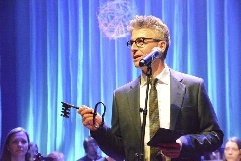 GÅR AV: Richard Brattli går av som leder for kulturenheten i Vestvågøy kommune.