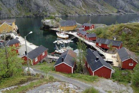 Nusfjord mistet telefondekningen og internett-tilgangen fredag ettermiddag. Søndag er det fortsatt ikke kommet tilbake.