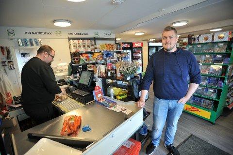 Fornøyd: Butikkinnehaver Tony Dahl er fornøyd med utviklingen også i 2019, og fikk nylig statlig støtte til utvikling av nærbutikken.