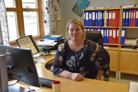 IKKE HELDIG: Rektor ved Ballstad skole, Monica Grønhaug, sier at de ansatte aller helst vil bli værende på Ballstad. Hun ber om en nøye gjennomgang før et eventuelt vedtak om felles ungdomsskole fattes.