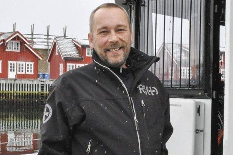 """JUL 2020: - Vi er fullt bemannet og har full beredskap hele jule- og nyttårshelga, sier skipper Asbjørn Inge Thomassen på """"Sundt Flyer""""."""