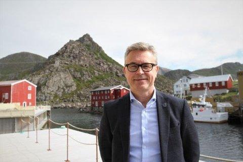 UNGE FISKERE: Fiskeri- og sjømatminister Odd Emil Ingebrigtsen.