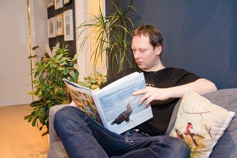 NATURVERNRÅDGIVER: Fra hjemmekontoret på Ramberg, jobber Martin Eggen for Norsk Ornitologisk Forening.