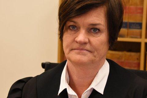 FORSVARER: Mette Yvonne Larsen forsvarte den tiltalte mannen i 50-årene. Hun ble for mange kjent da hun representerte flere av de etterlatte og pårørende etter angrepene 22. juli i 2011.