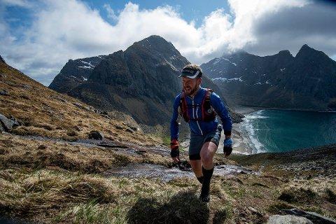 FILMING: Lofotodden nasjonalpark vil ikke tillate filming med droner under årets Lofoten Ultra-Trail. Bildet er fra løpet i 2017.