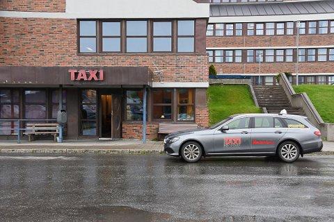 BEKYMRET: Taxi-næringen i Lofoten er bekymret for  at det skal skje ulykker som følge av ruskjørere.