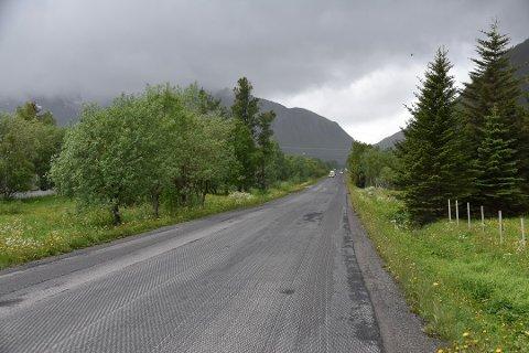 Denne strekninga ble frest i 2017 og 2018, men når ny asfalt kommer er fortsatt i det blå.
