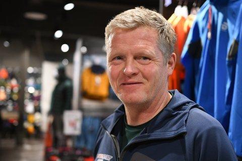 Ildsjel Vidar Gärtner i foreningen Tuvahytta Svolvær sier man fortsatt avventer kommunens beslutning om tillatelse til dagsturhytte.