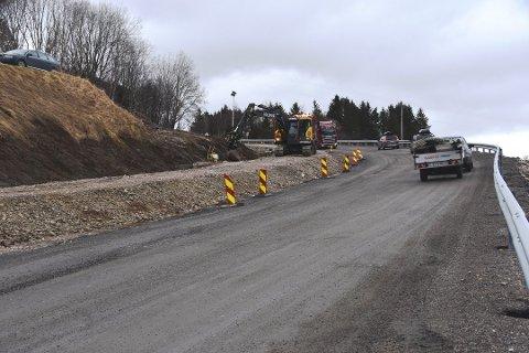 KLART: Strekningen gjennom Gjerstadbrekka er straks klar for asfaltering.