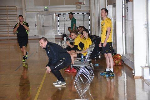 BEKYMRET: KIL-trener Kjell-Hugo Pedersen er bekymret for lagets fremtid.