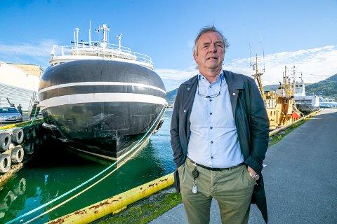 FORNØYD: Administrerende direktør Torkild Torkildsen  i Torghatten Nord klarer ikke å skjule at han er svært godt fornøyd med resultatet for rederiet.